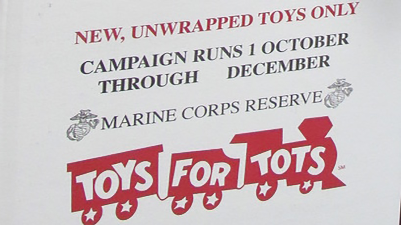 Assemblyman Oaks contributes to Toys for Tots